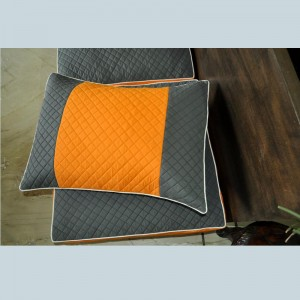 Quilted Hollowfiber Pillows